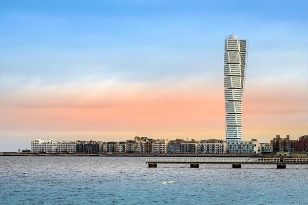 Malmö City med utsikt över Turning Torso. Idag finns Svensk Säkerhetstjänst på flera orter med kontor i bl.a. Malmö City.